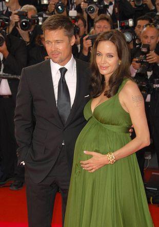 15 milionów za zdjęcia bobasów Angeliny Jolie i Brada Pitta