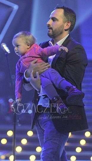 Agustin Egurrola z córeczką na widowni (FOTO)