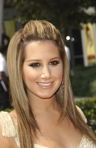Ashley Tisdale olśniewa (FOTO)