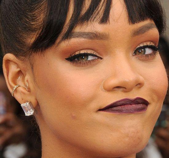 Rihanna, bordowe usta