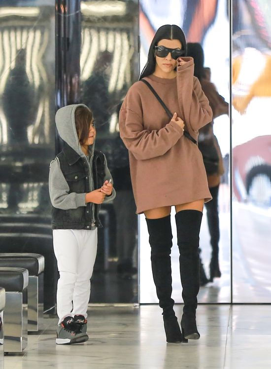 Kourtney Kardashian seksowna na co dzie�