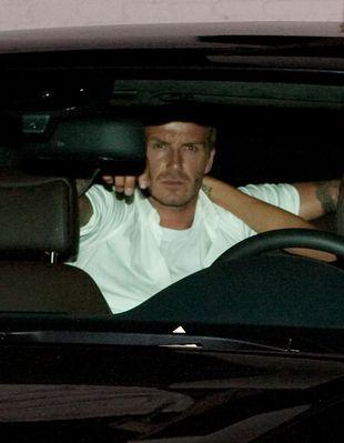 Beckhamowie migdalą się w samochodzie (FOTO)