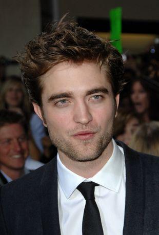 Dlaczego Robert Pattinson nie zmienia ubrań?