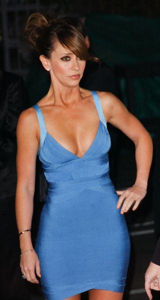 Jennifer Love-Hewitt chwali się kształtami (FOTO)