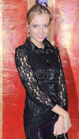 Sasha Strunin chce być elegancka... (FOTO)