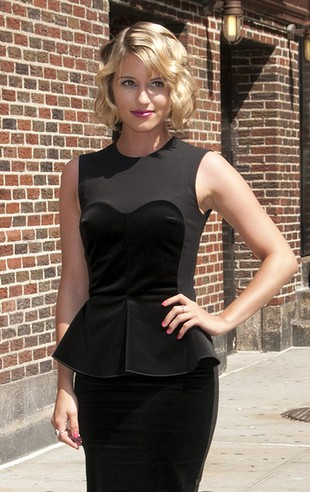 Elegancka czarna dama (FOTO)