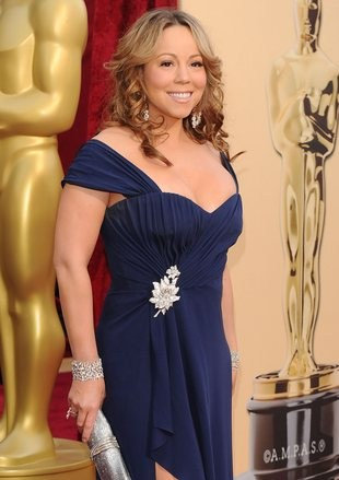 Mariah Carey do dresu zakłada...