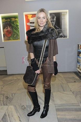 Agnieszka Szulim nosi futrzaną etolę… (FOTO)