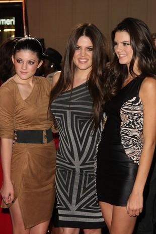 Siostry Kardashian na premierze Burlesque (FOTO)