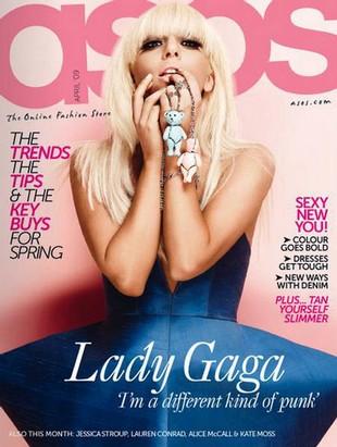 Fani Beatlesów oburzeni Lady Gagą
