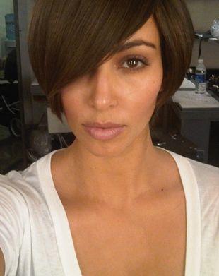 Kim Kardashian ścięła włosy (FOTO)
