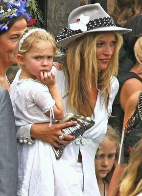 Kate Moss kupiła sobie własny pierścionek zaręczynowy