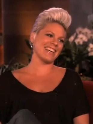 Pink potwierdza: Jestem w ciąży! (VIDEO)