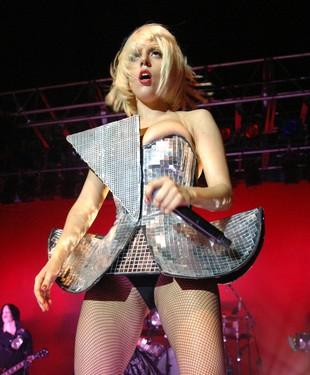 Lady Gaga łysieje!