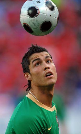Cristiano Ronaldo rozwalił sobie Ferrari