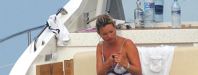 Kate Moss znów się rozbiera