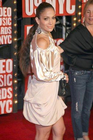 Jennifer Lopez w satynowej piżamie (FOTO)