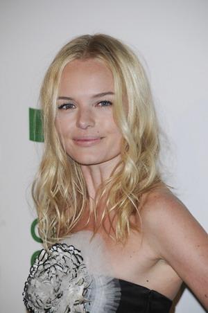 Kate Bosworth w nieciekawej kreacji (FOTO)