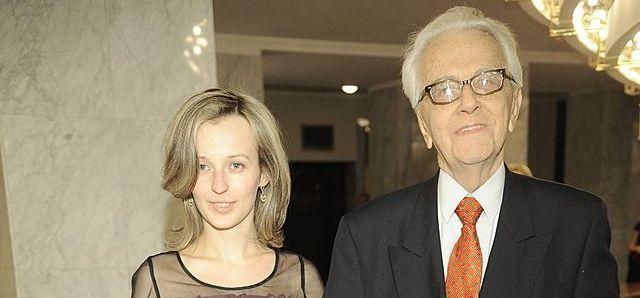 Andrzej Łapicki ma 85 lat, jego żona 25
