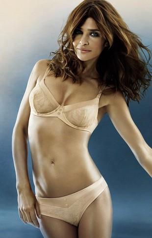 Helena Christensen znów w reklamie bielizny (FOTO)