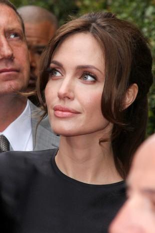 Jolie i Pitt mają się pobrać w najbliższych miesiącach