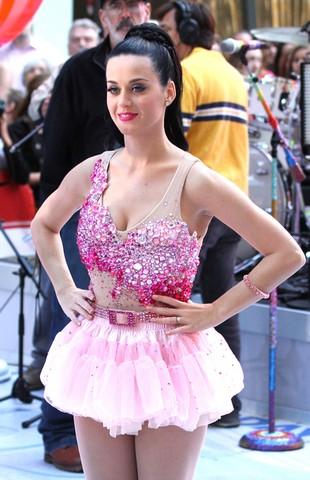 Katy Perry zdradza Russella Branda?