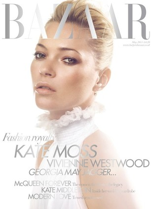 Kate Moss na okładce Harper's Bazaar w sukience McQueena