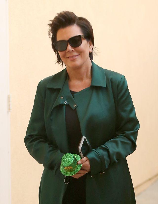 Mimo że jej córki są sławne, bogate i wielu stwierdzi, że odniosły w życiu sukces, specjaliści mówią, że Kris Jenner (61 l.) jest typowym przykładem toksycznego rodzica.
