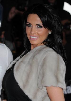 Katie Price elegancko