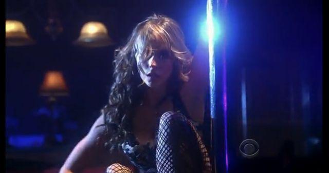 Jennifer Love Hewitt tańczy na rurze (VIDEO)