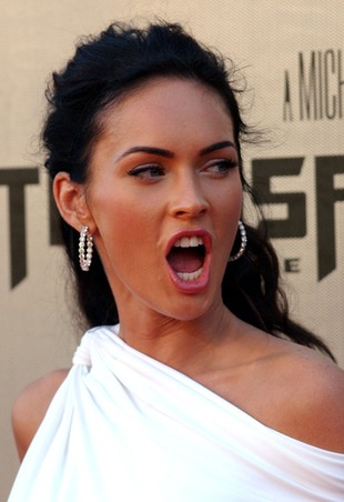 Megan Fox o Rosie Huntington-Whiteley: To zdzira!