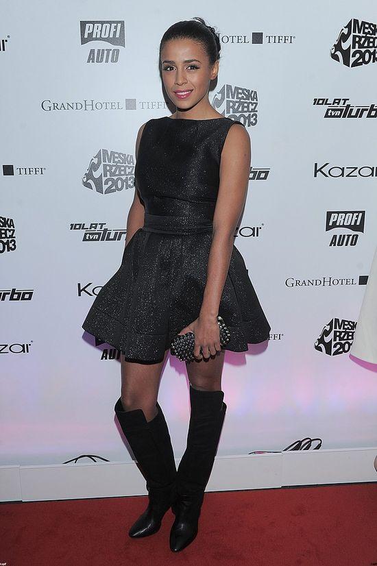 Ola Szwed w czarnej sukience