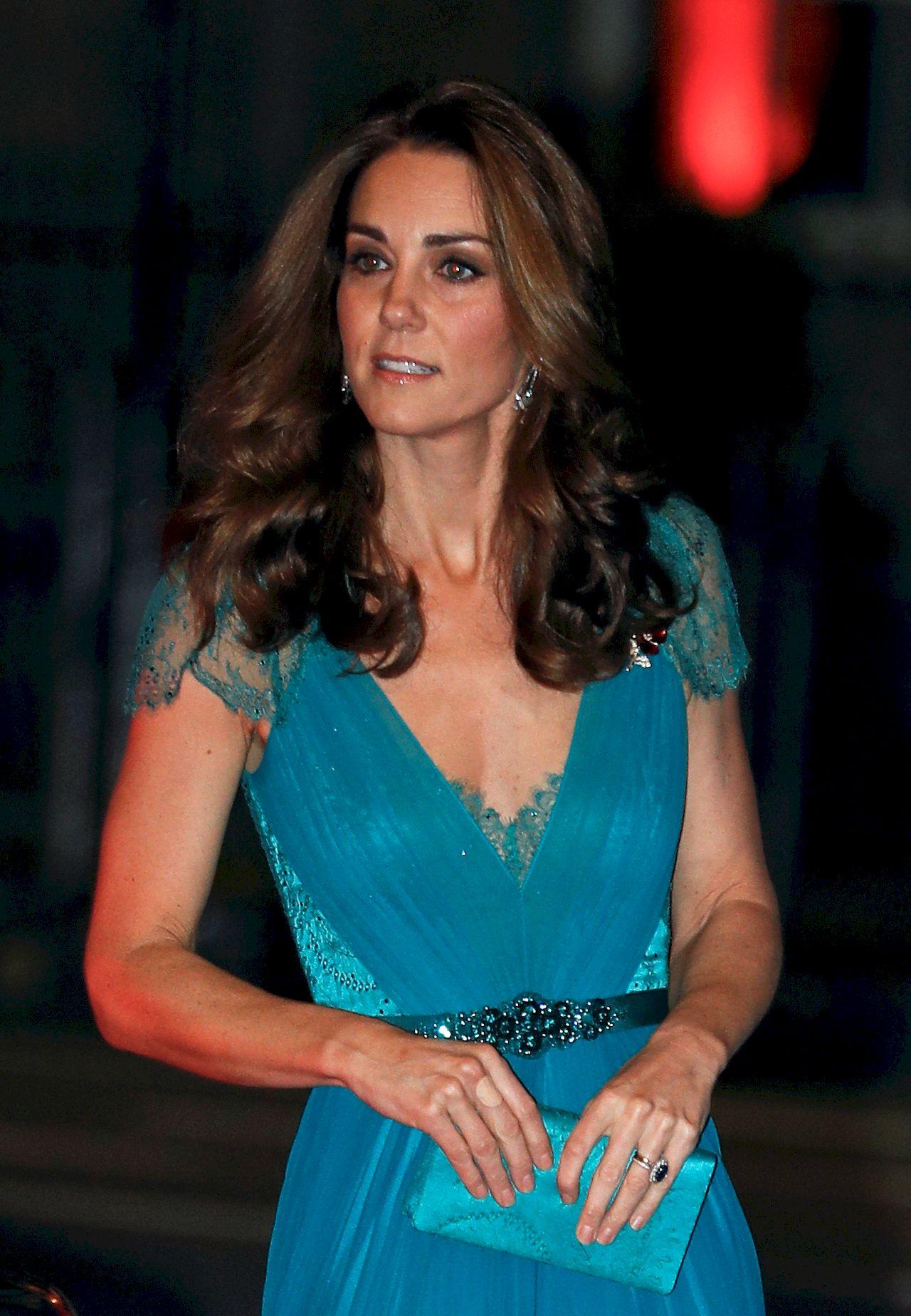 Księżna Kate jest coraz CHUDSZA: Przestała jeść