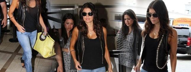 Wylaszczona Fergie na lotnisku (FOTO)