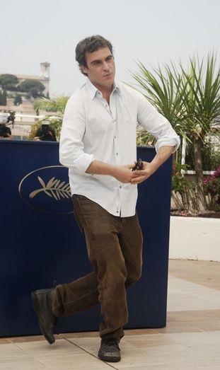 Joaquin Phoenix wychodzi z ukrycia