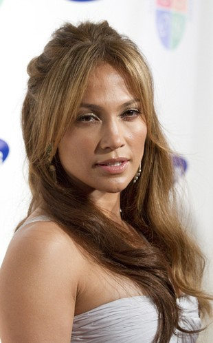 Jennifer Lopez na okładce Marie Claire (FOTO)