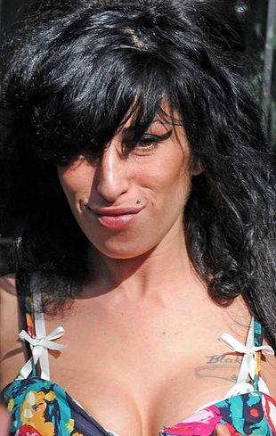 Amy Winehouse chce mieć silikon w pośladkach!