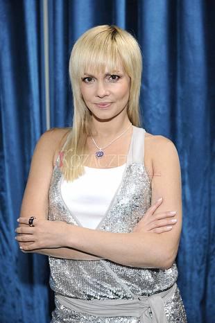 Weronika Pazura jest związana z artystą
