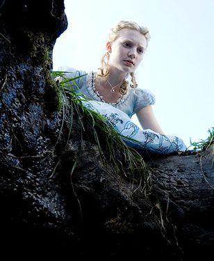 Nowe zdjęcia Alicji z Krainy Czarów (FOTO)
