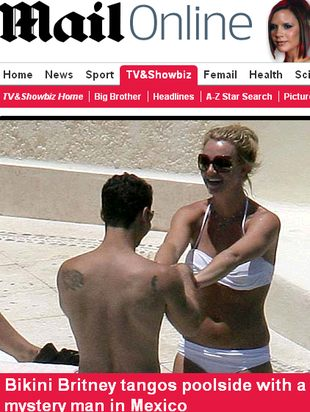 Britney Spears na plaży z tajemniczym mężczyzną