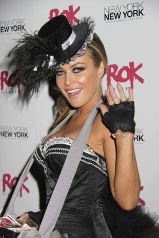 Carmen Electra naga w Playboyu