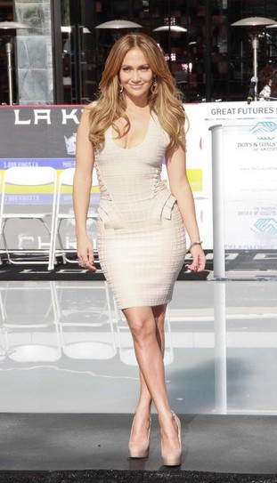 Jennifer Lopez pozbyła się brzuszka (FOTO)