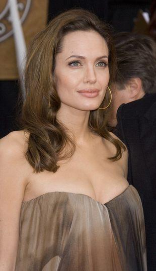 Idealne usta Angeliny Jolie