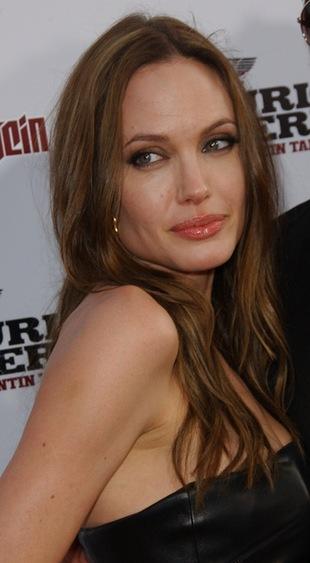Angelina Jolie uczciła pamięć nieżyjącej matki