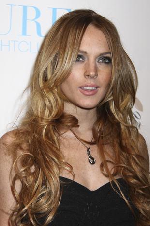 Lindsay Lohan bez biustonosza