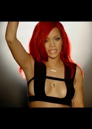 Rihanna znowu pokazuje ciało (FOTO)