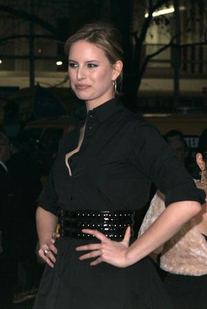 Karolina Kurkova z brzuszkiem ciążowym w  operze