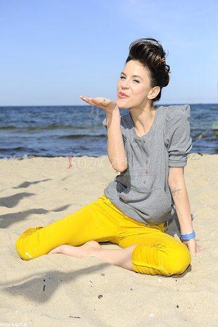 Natalia Lesz na plaży (FOTO)