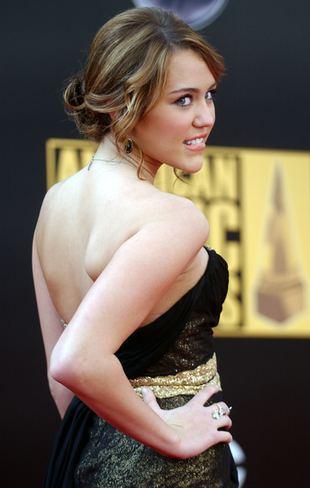 10-letnia Miley Cyrus w pozycjach godnych modelki