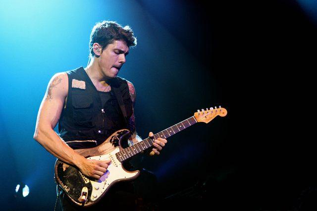 """John Mayer prosi: """"Zajmijcie się paparazzi!"""""""